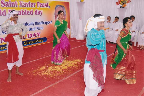 Group Dance by IV Std and IX Std Students