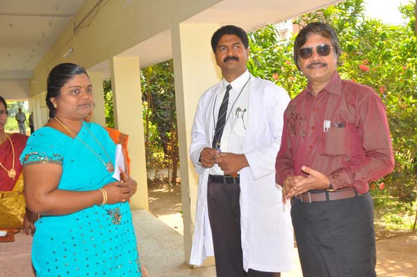 Medical Camp-The Principal receives the Chief Guest Dr.Mugamathu Jain
