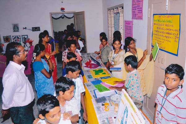 The Students Explaining Science Exhibition Stall (VI Std)